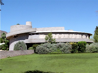 Circular frank lloyd wright house in peril round houses for Building a house in arizona