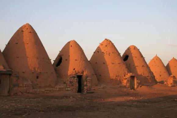 sarouj-beehive-houses01