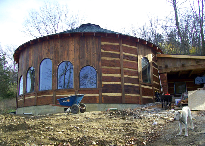 how to build a year round log house
